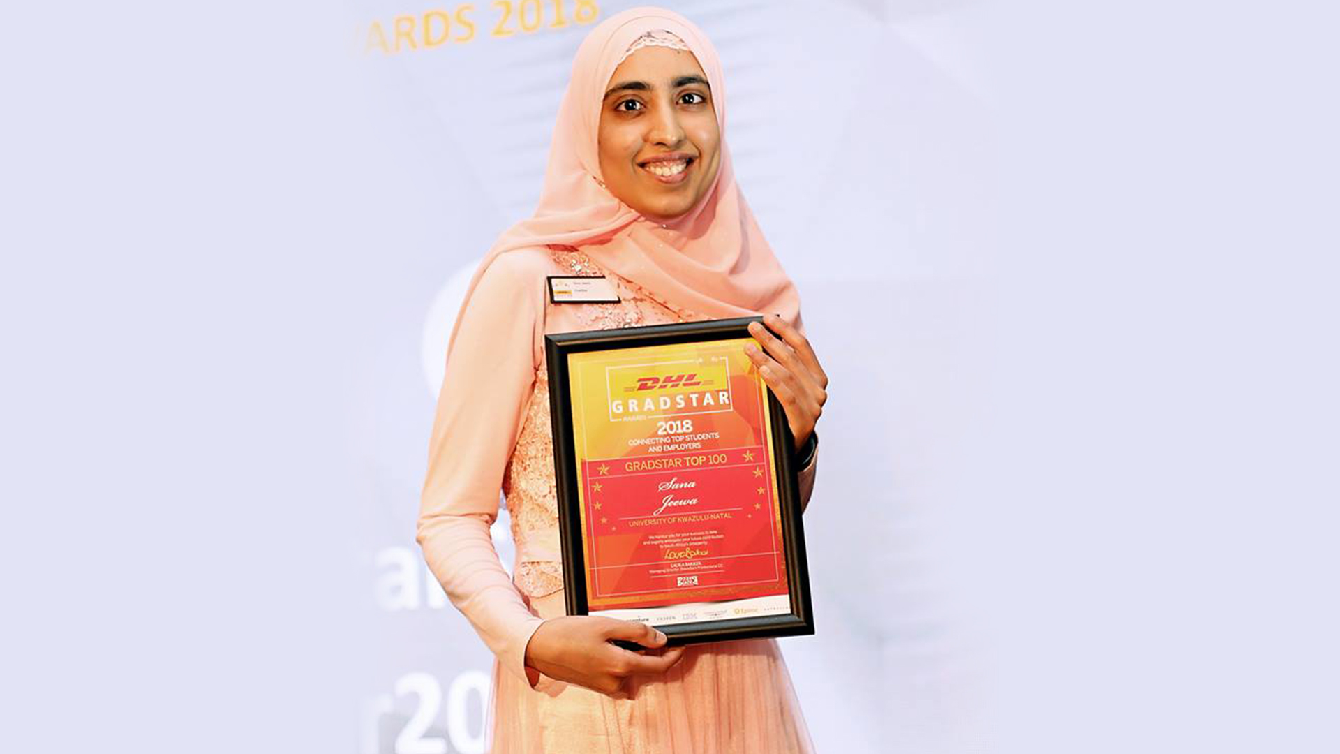 Sana Jeewa receiving her Gradstar Award.